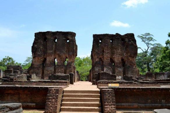 Ancient ruins, Polonnaruwa,em