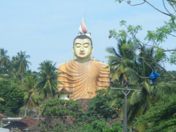Buddhist Temple_Tangalle, em3